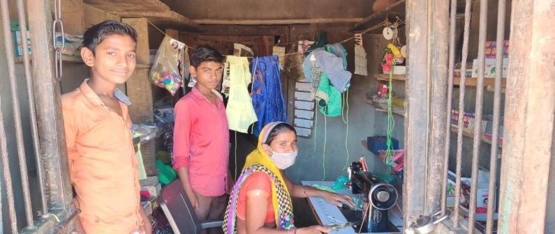 Making face masks help women earn livelihood during lockdown