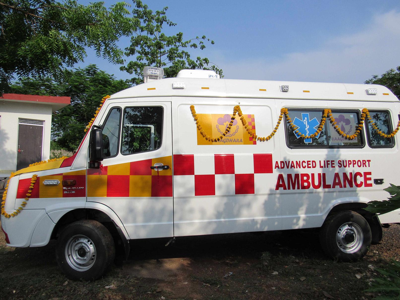 vaagdhara-ambulance-service-for-community-5