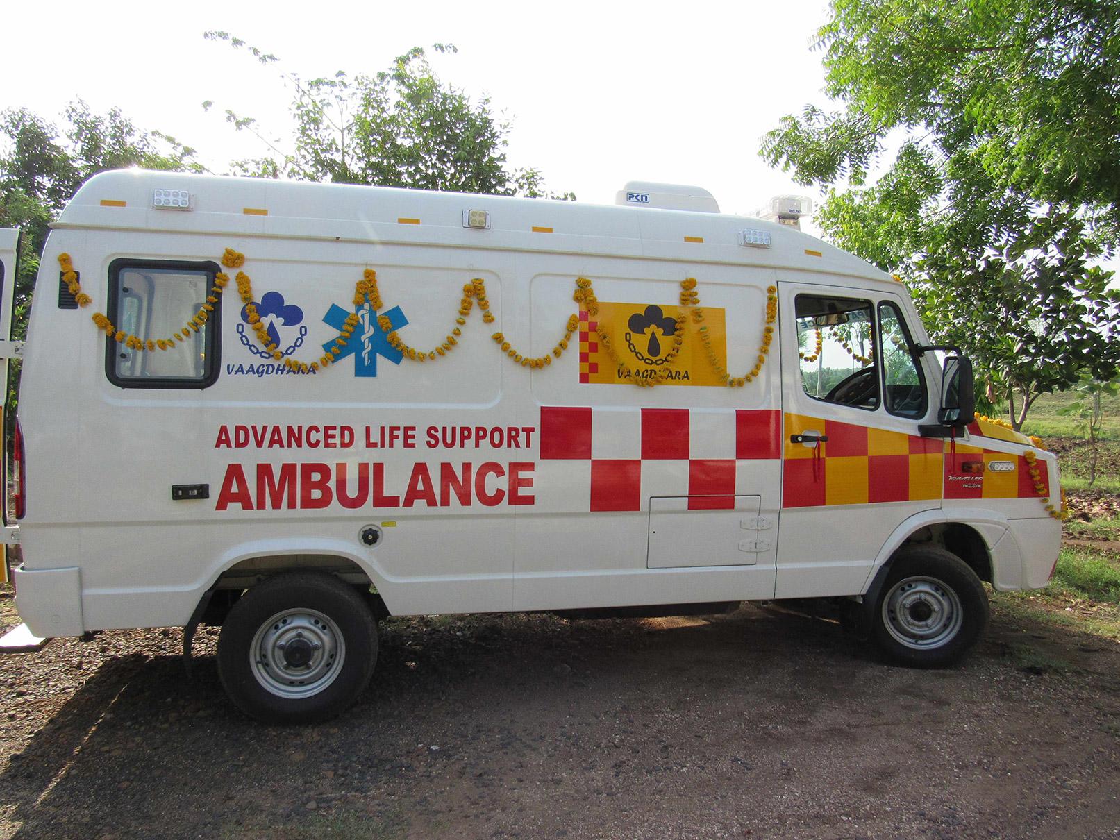 vaagdhara-ambulance-service-for-community-7